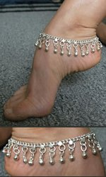 Metal ankle bracelet with slave bells